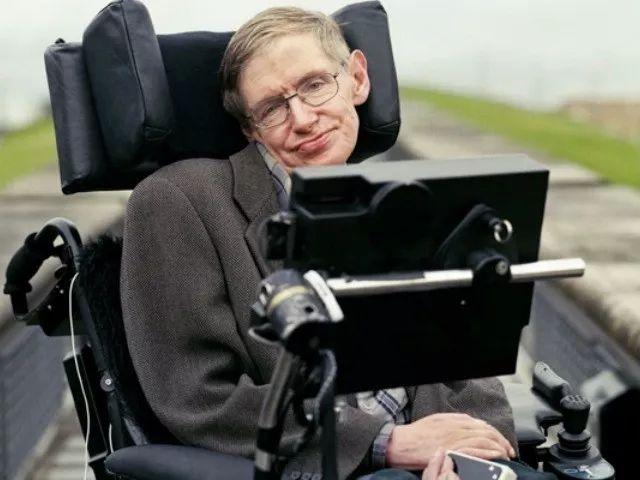 霍金的轮椅藏有多少黑科技?看完好想坐......