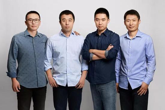 车和家联合创始团队,左起:车和家联合创始人、总裁沈亚楠,车和家联合创始人、CFO李铁,车和家创始人、董事长兼CEO李想,车和家联合创始人、总工程师马东辉